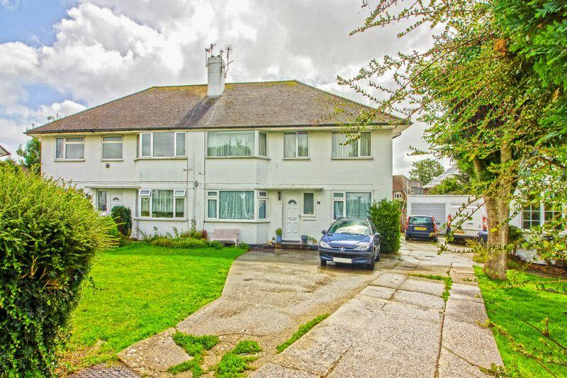 2 Bedrooms Ground Flat for sale in Shirley Close, Worthing