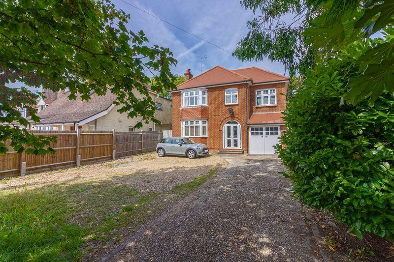 4 Bedrooms Detached House for sale in Arundel Road, Worthing
