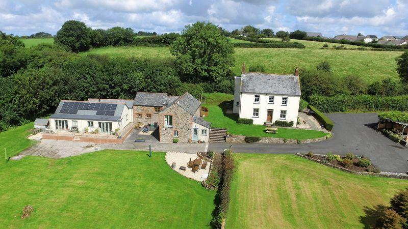 7 Bedrooms Detached House for sale in Chilsworthy, Holsworthy