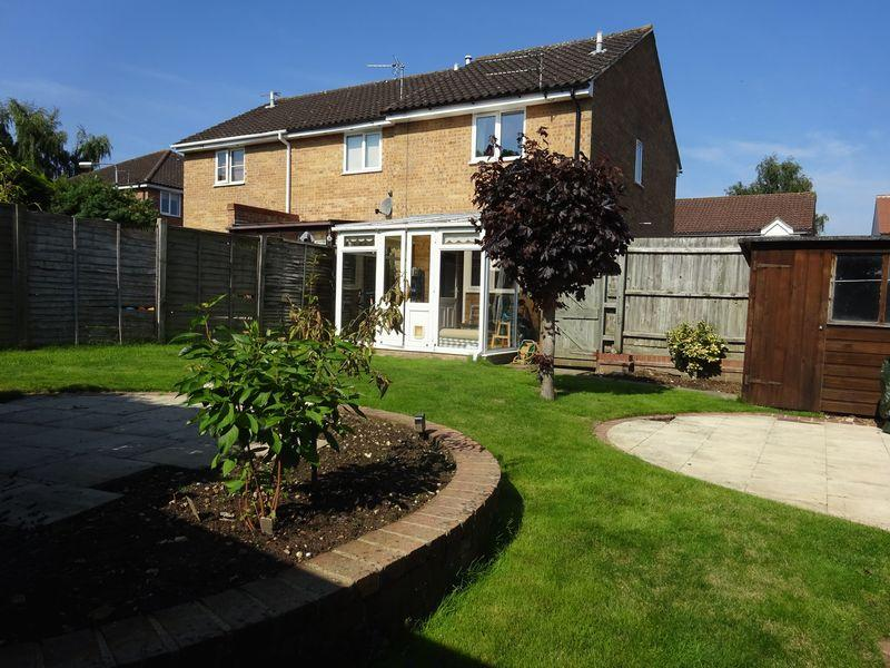 2 Bedrooms Terraced House for sale in Peddars Way, Taverham, Norwich