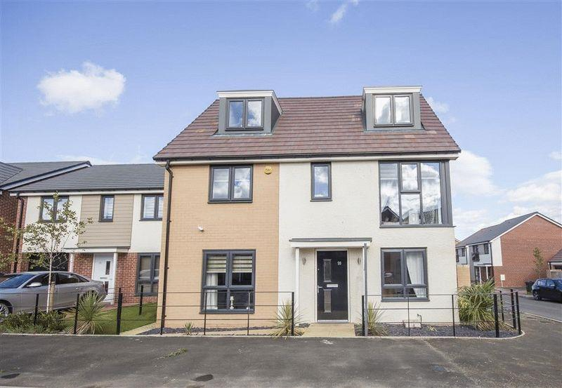 5 Bedrooms Detached House for sale in Heron Crescent, Great Park