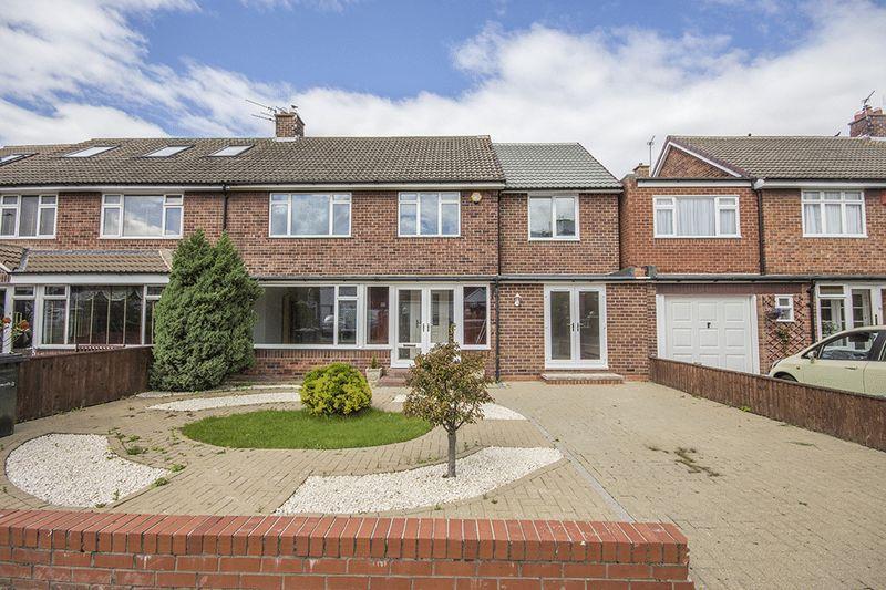 4 Bedrooms Semi Detached House for sale in Eddleston Avenue Gosforth