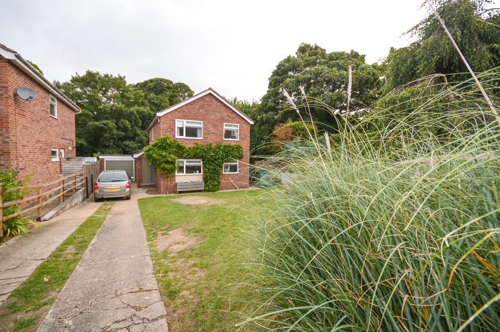 4 Bedrooms Detached House for sale in Seafield Avenue, Mistley, Manningtree