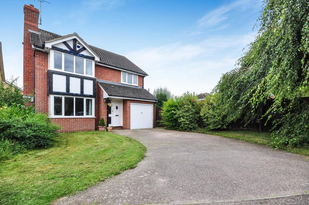 4 Bedrooms Detached House for sale in Squirrels Field, Mile End, Colchester, CO4 5YA