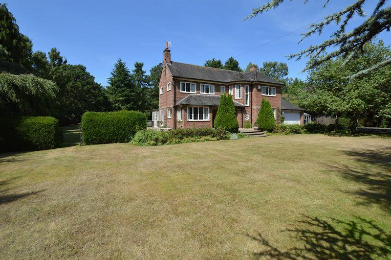3 Bedrooms Detached House for sale in Fairways, 33 Horncastle Road, Woodhall Spa