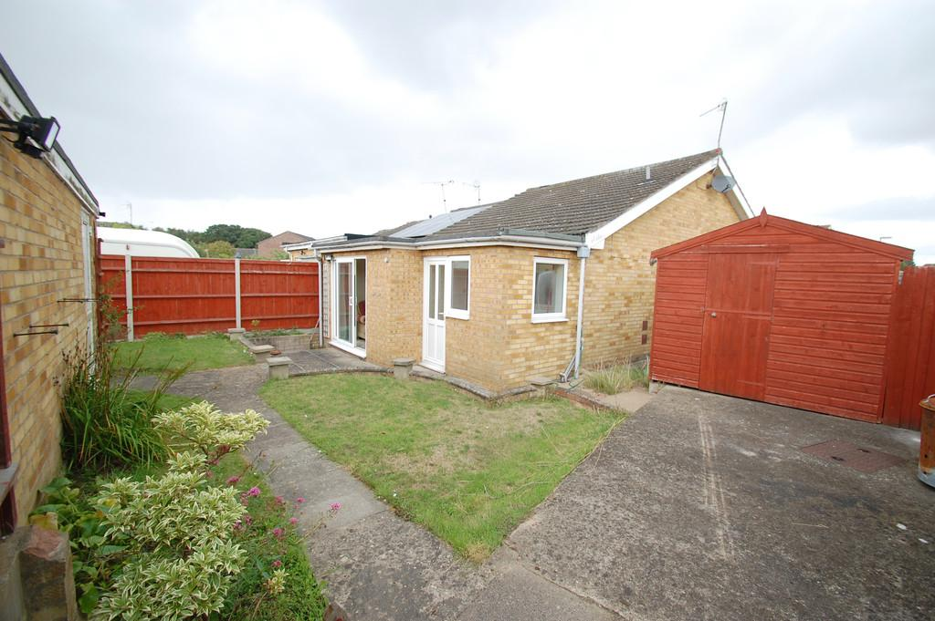 2 Bedrooms Terraced Bungalow for sale in Lynfield Road, North Walsham