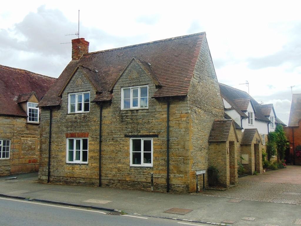 2 Bedrooms Cottage House for sale in Ashwin Court, Bretforton