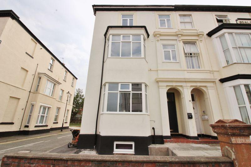 2 Bedrooms Apartment Flat for sale in Bold Street, Southport
