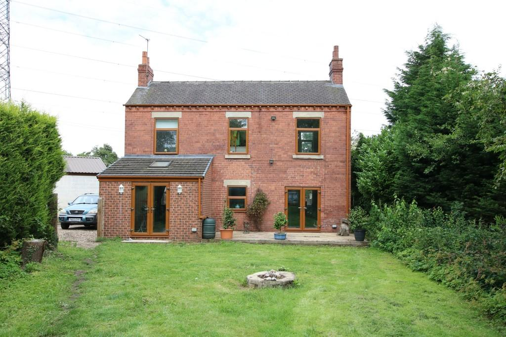 4 Bedrooms Detached House for sale in Lingwell Gate Lane, Lofthouse