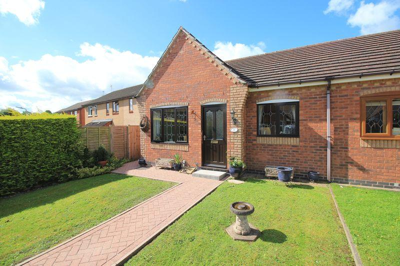 2 Bedrooms Semi Detached Bungalow for sale in Rowan Close, Oswestry