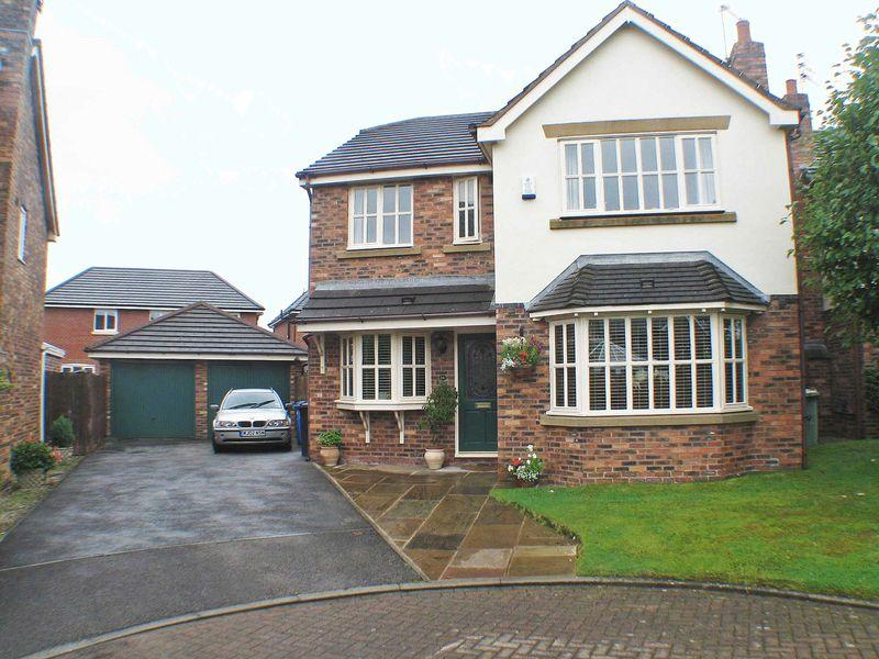 4 Bedrooms Detached House for sale in Kings Close, Staining