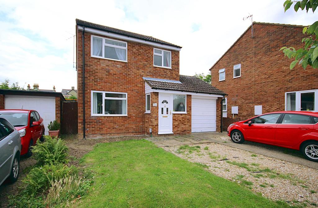 3 Bedrooms Detached House for sale in The Mixies, Stotfold, Hitchin, SG5