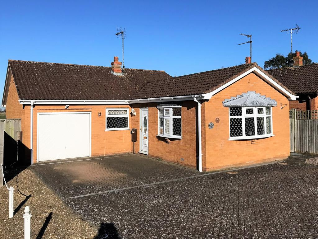3 Bedrooms Detached Bungalow for sale in Seas End Road, Surfleet, PE11