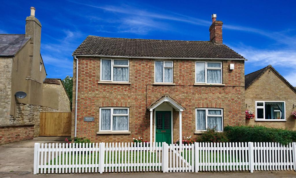 4 Bedrooms Detached House for sale in Upper Street, Tingewick