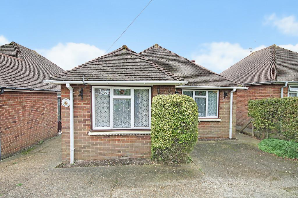 2 Bedrooms Detached Bungalow for sale in Downside, Shoreham-by-Sea, BN43 6HH