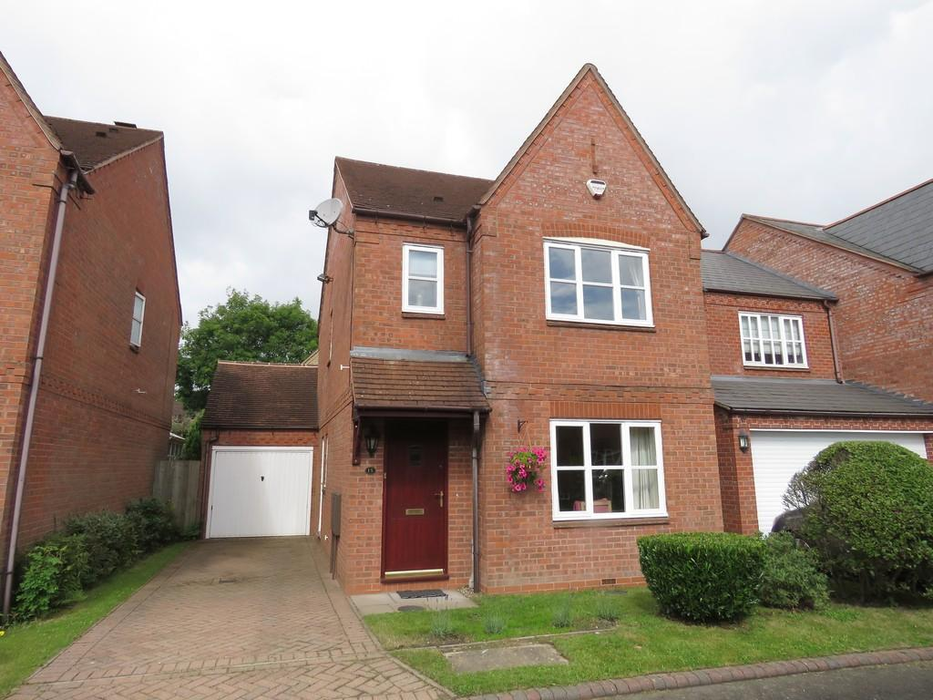 3 Bedrooms Detached House for sale in Spindle Lane, Dickens Heath