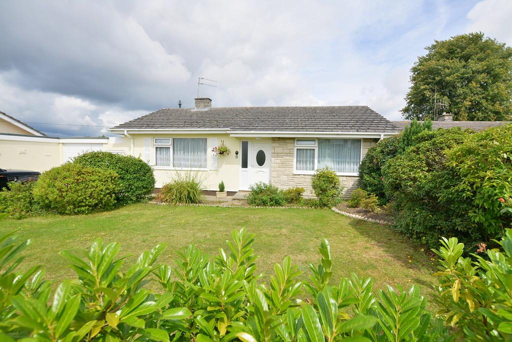 3 Bedrooms Detached Bungalow for sale in Dorset Avenue, Ferndown