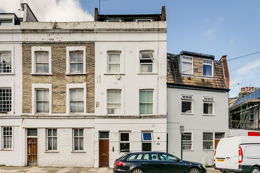 4 Bedrooms Flat for sale in Margarvine Road, Hammersmith, London