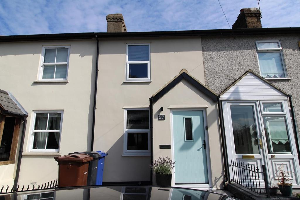 2 Bedrooms Terraced House for sale in Mollands Lane, South Ockendon, Essex, RM15