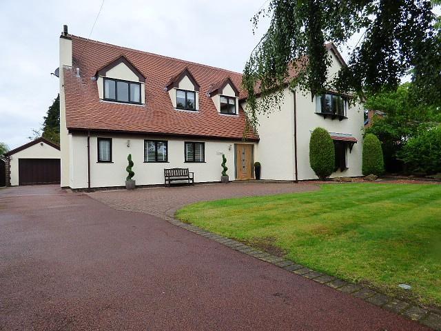 4 Bedrooms Detached House for sale in Croft, Warrington
