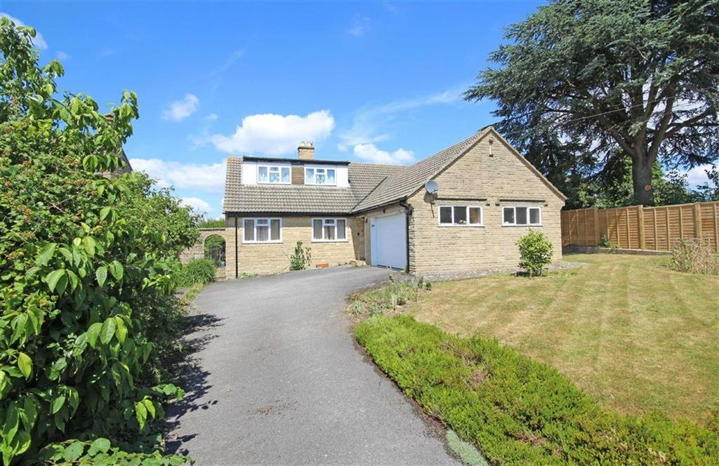 4 Bedrooms Detached Bungalow for sale in Ratcliff Lawns, Southam, Cheltenham, GL52