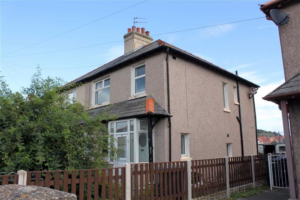 3 Bedrooms Semi Detached House for sale in Kings Avenue, Llandudno, Conwy
