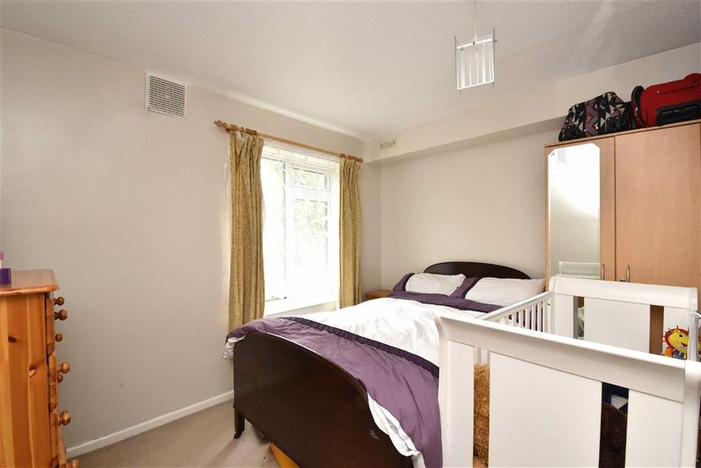 1 Bedroom Flat for sale in Beachborough Road, Bromley, Kent