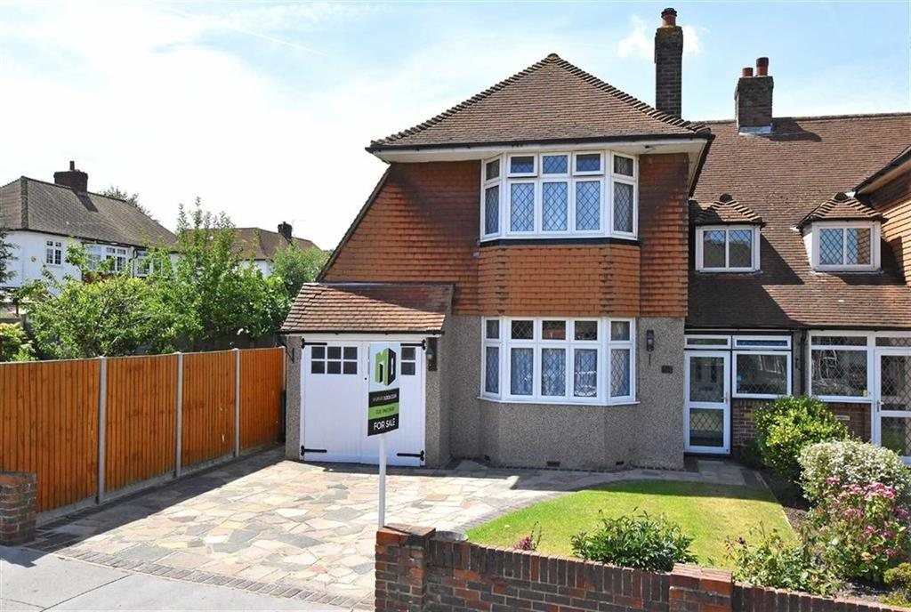 3 Bedrooms Semi Detached House for sale in Tideswell Road, Shirley