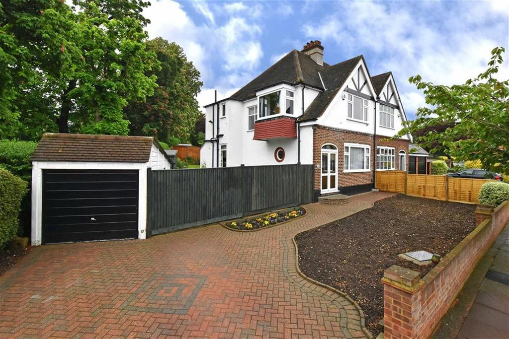 3 Bedrooms Semi Detached House for sale in Wellhouse Road, Beckenham, Kent
