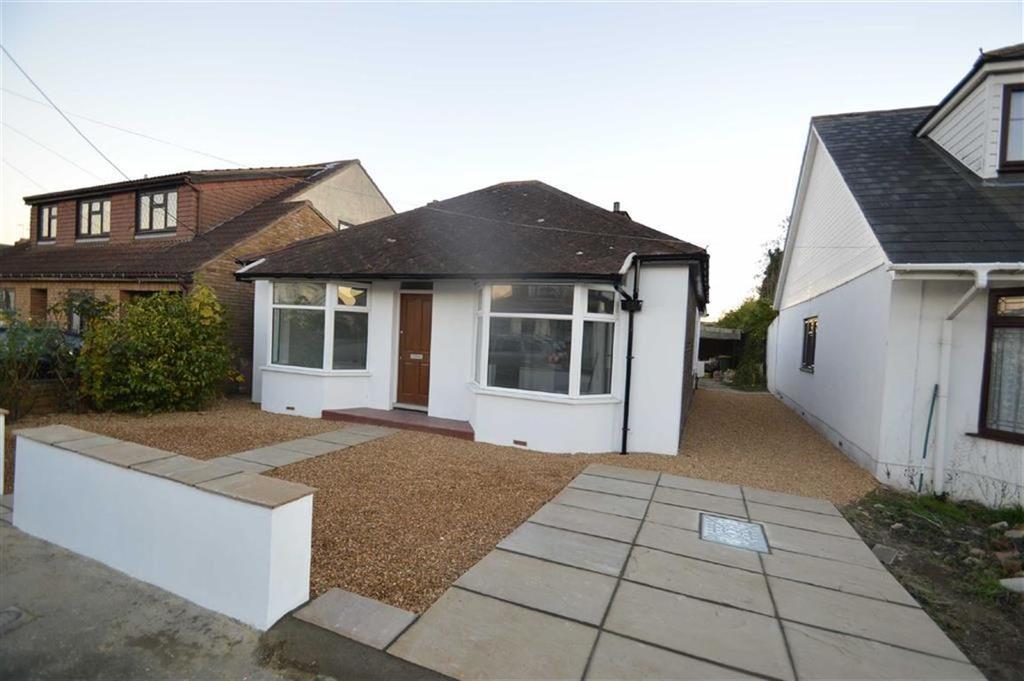 3 Bedrooms Detached Bungalow for sale in Lascelles Gardens, Ashingdon, Essex