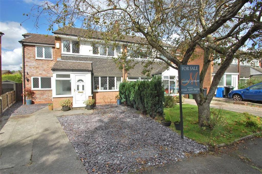 4 Bedrooms Semi Detached House for sale in Troon Close, Bramhall, Cheshire