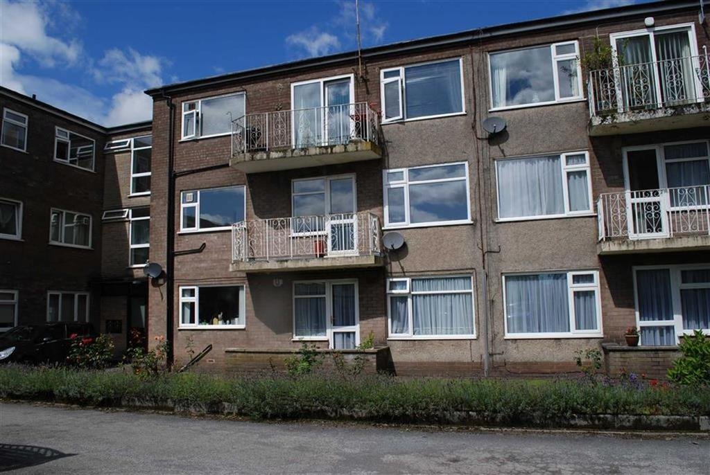 2 Bedrooms Flat for sale in Dovehouse Close, Whitefield, Manchester
