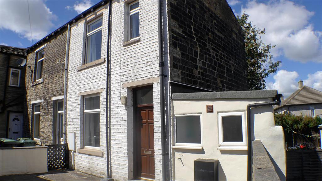 2 Bedrooms Cottage House for sale in Beacon Road, Wibsey, Bradford, BD6 3EJ