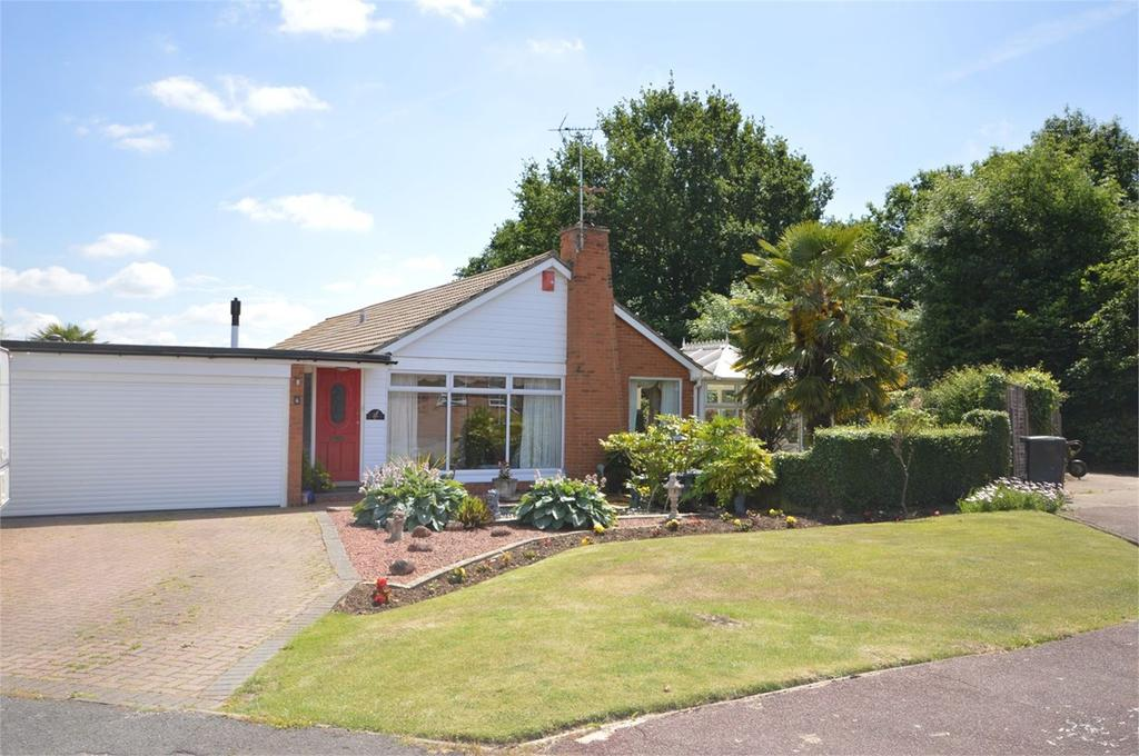 4 Bedrooms Detached Bungalow for sale in Perryfield, Matching Green, CM17