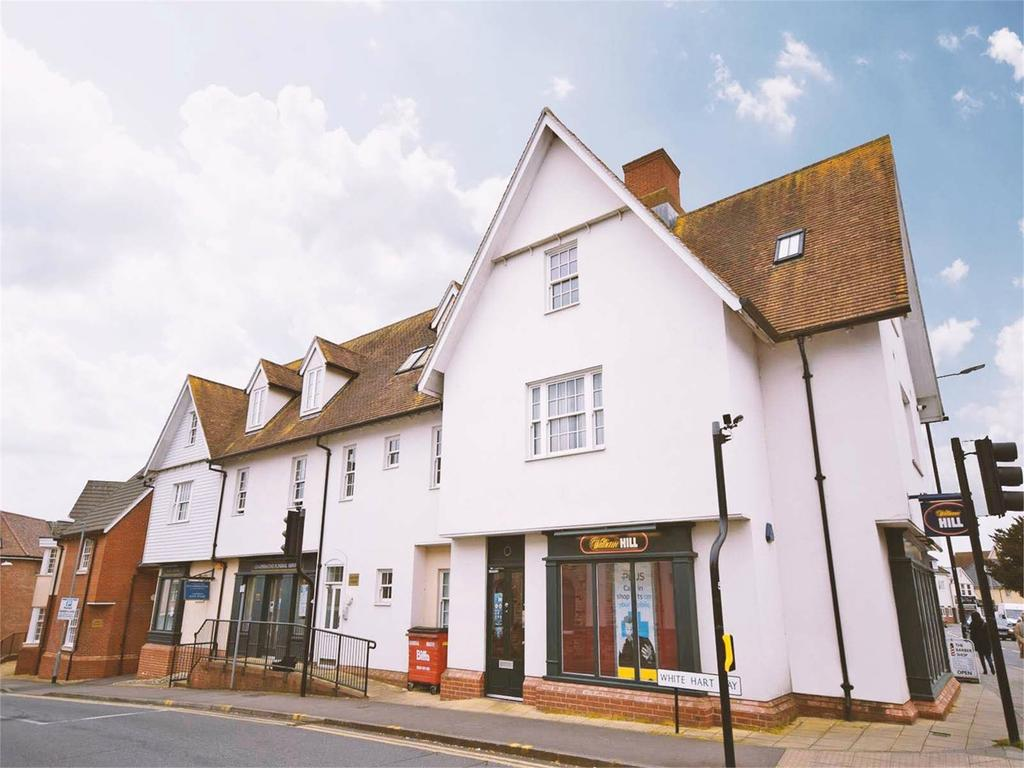 2 Bedrooms Flat for sale in White Hart Way, DUNMOW, CM6