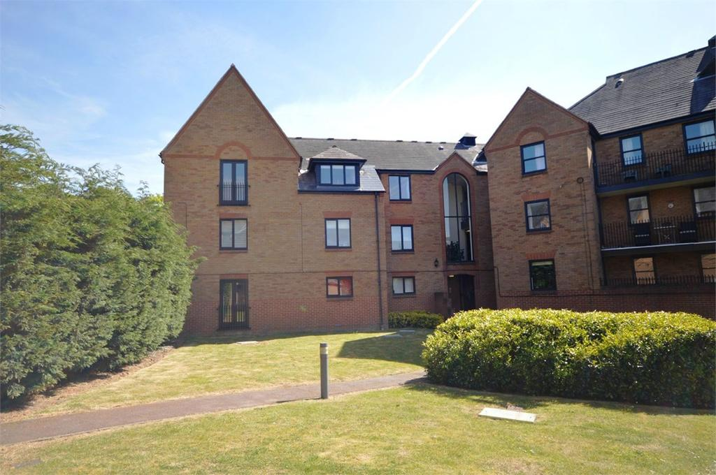 1 Bedroom Apartment Flat for sale in Chelmsford Road, Dunmow, CM6