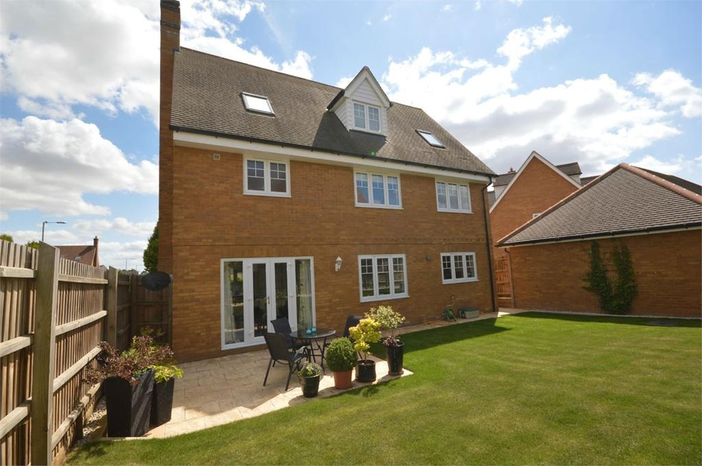 6 Bedrooms Detached House for sale in Woodlands Park Drive, Dunmow, CM6