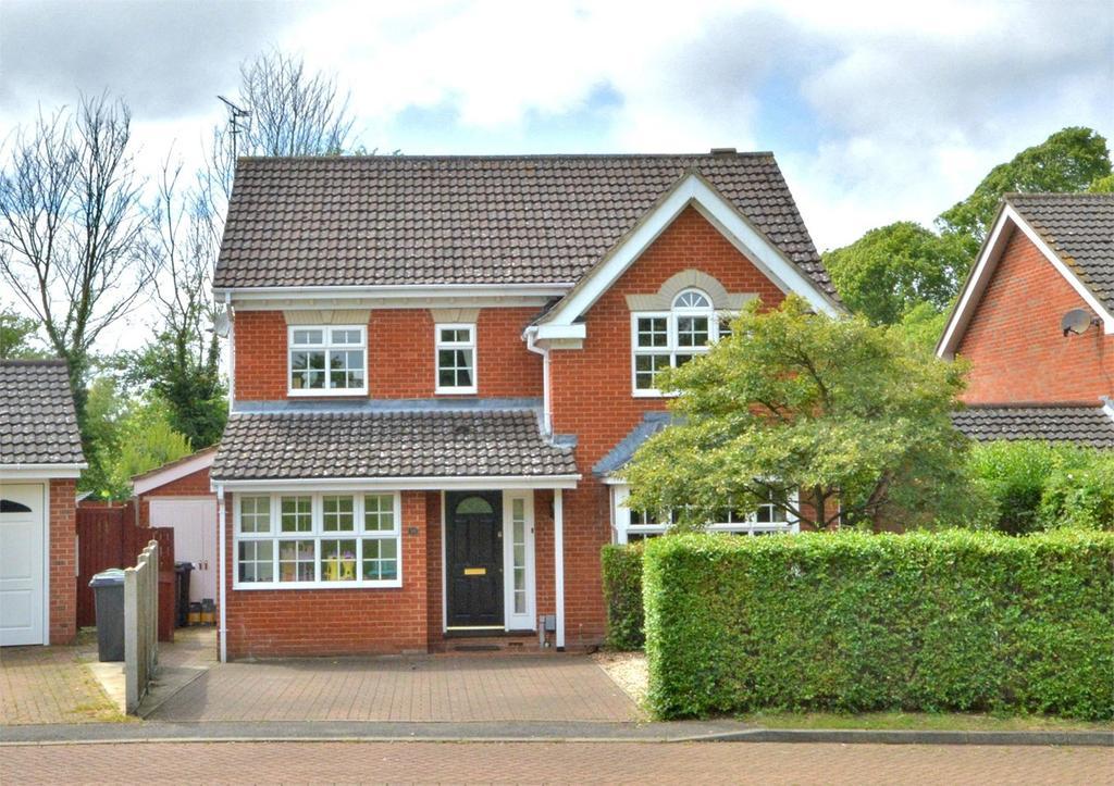 4 Bedrooms Detached House for sale in Greenways, Saffron Walden, CB11