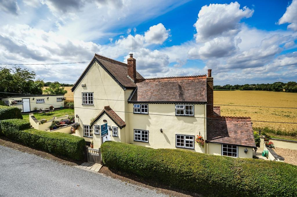 4 Bedrooms Detached House for sale in Helions Bumpstead, Haverhill, CB9