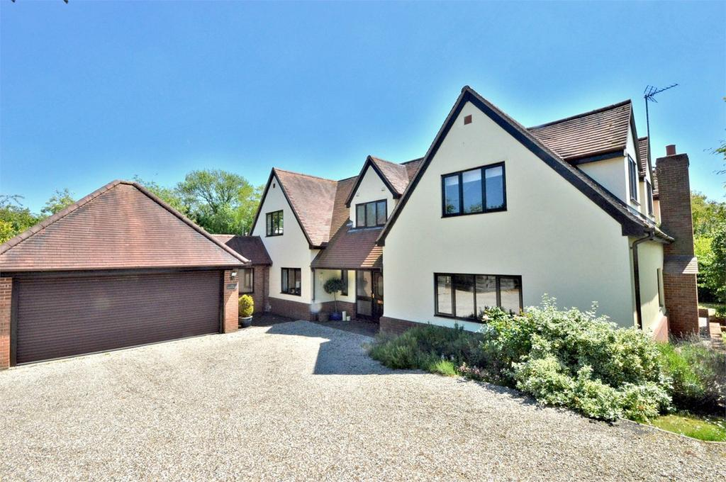 5 Bedrooms Detached House for sale in Longcroft, Hempstead, Saffron Walden, CB10