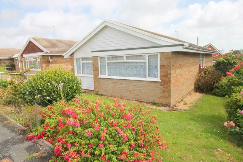 3 Bedrooms Detached Bungalow for sale in Hazelwood Avenue, Eastbourne