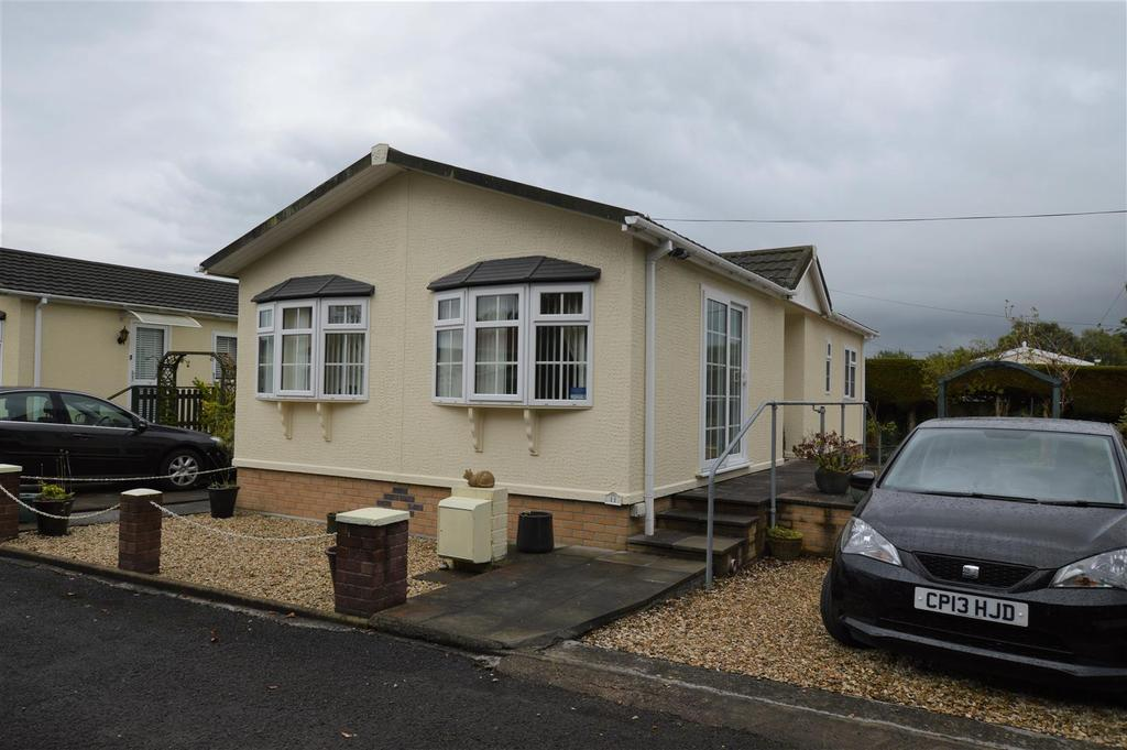 2 Bedrooms Park Home Mobile Home for sale in Estuary Park, Llangennech