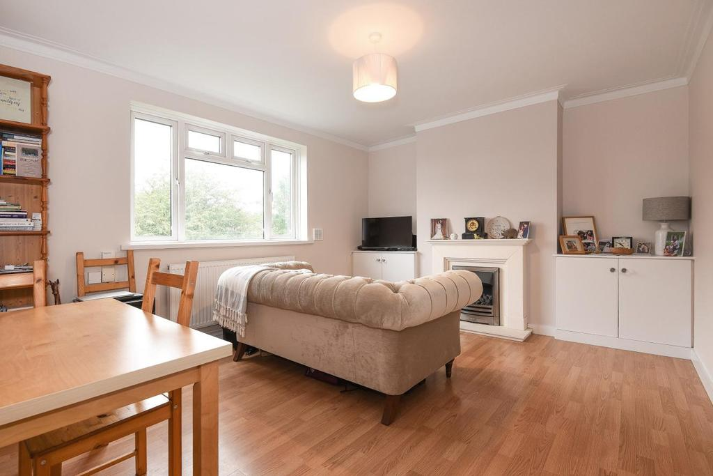 1 Bedroom Flat for sale in Bushey Road, Raynes Park