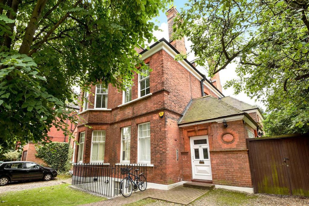 2 Bedrooms Flat for sale in Keswick Road, Putney