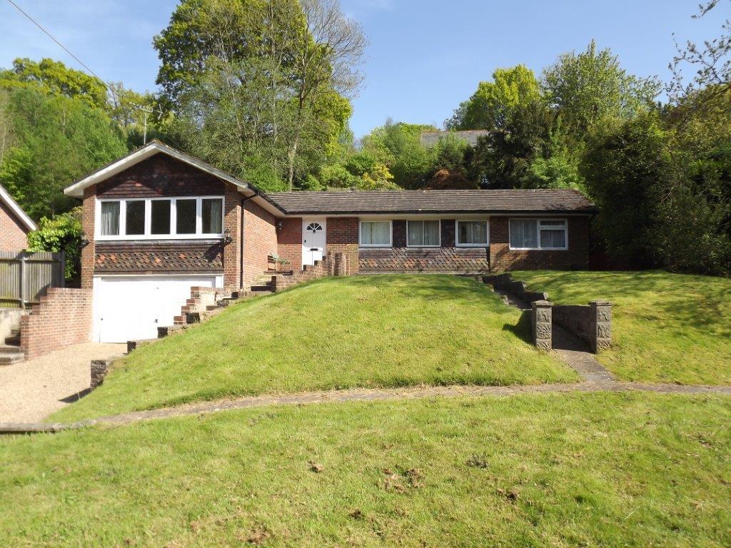 3 Bedrooms Detached Bungalow for sale in Fairglen Road, Wadhurst