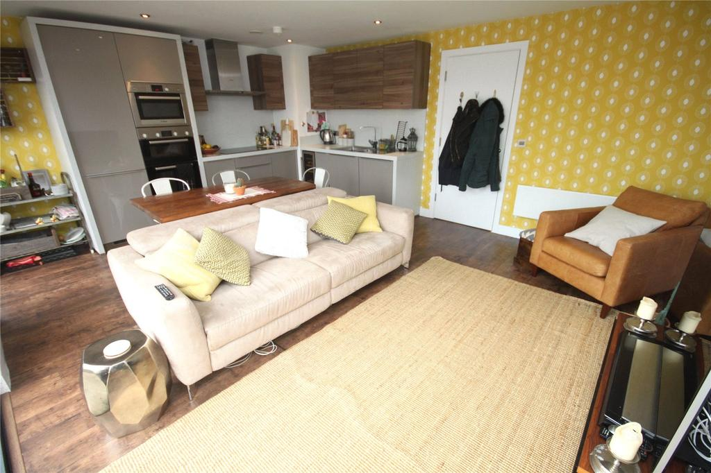 2 Bedrooms Flat for rent in Paragon Mill, Cotton Street, Manchester, Greater Manchester, M4