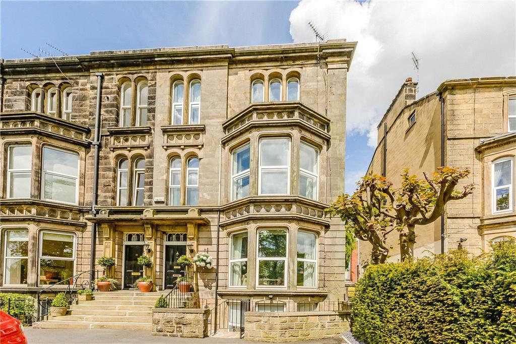 4 Bedrooms Terraced House for sale in York Place, Harrogate, North Yorkshire, HG1