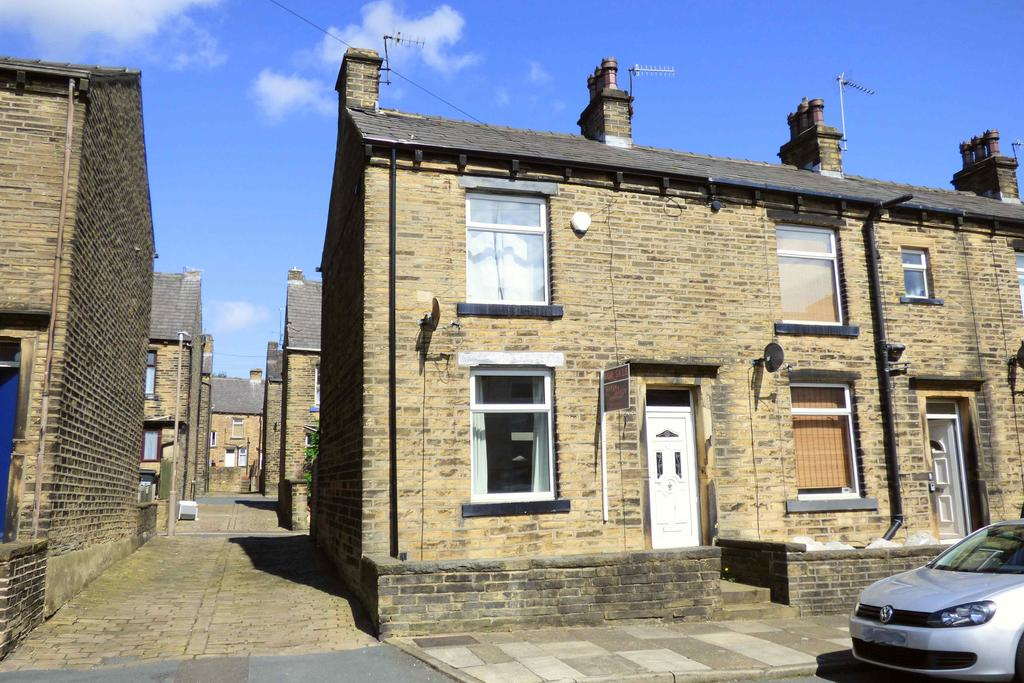 2 Bedrooms Terraced House for sale in Woodside View, Halifax HX3