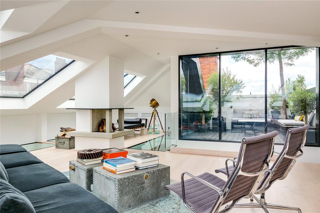 3 Bedrooms Flat for sale in Battersea Bridge Road, London