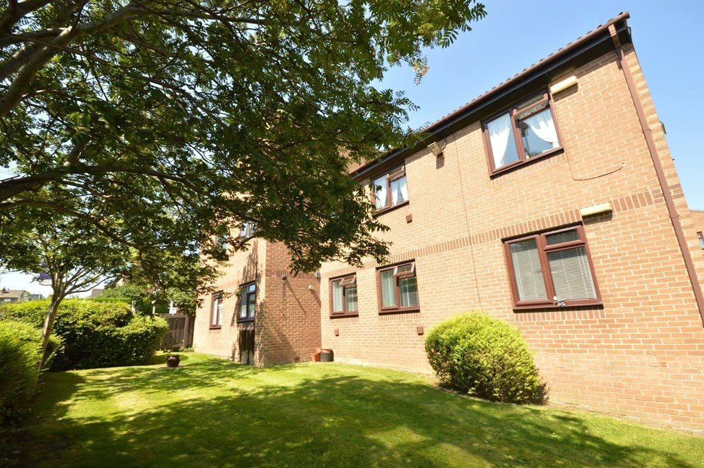 2 Bedrooms Retirement Property for sale in Gresley House, Sussex Avenue, Horsforth, Leeds